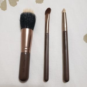 MAC Holiday Brush Set